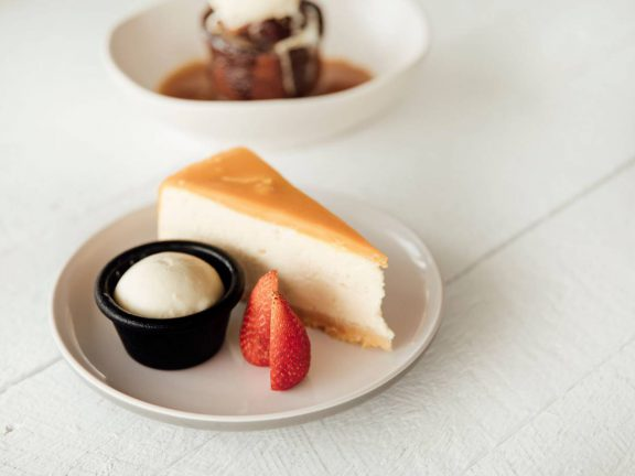mooloolaba-surf-club-cheese-cake