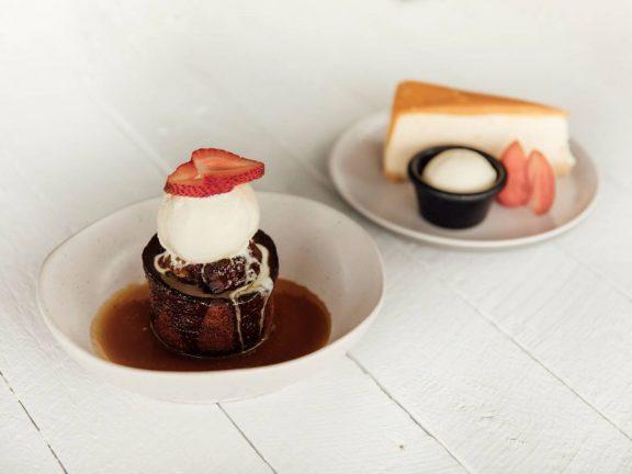 mooloolaba-surf-club-chocolate-cheese-cake-dessert