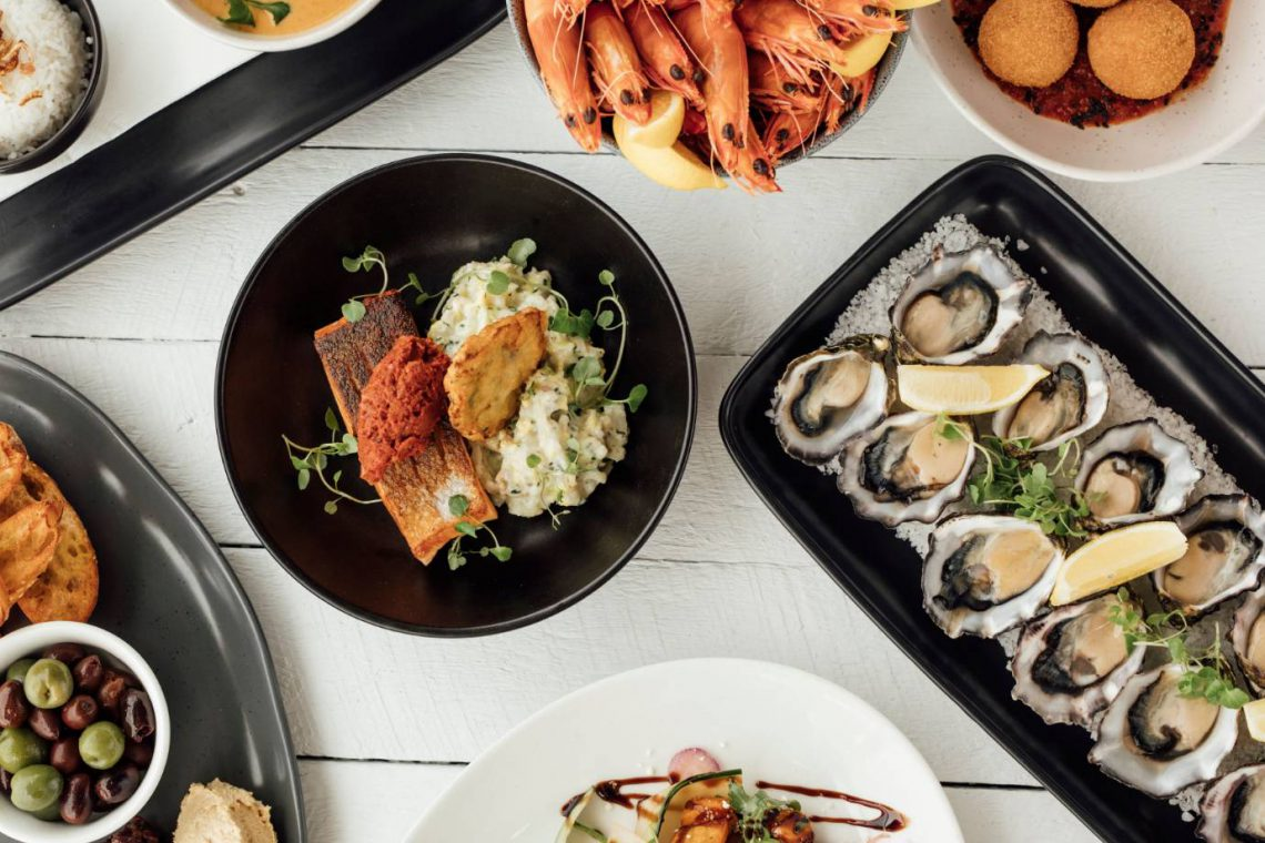 mooloolaba-surf-club-different-plates-of-delicous-restaurant-food