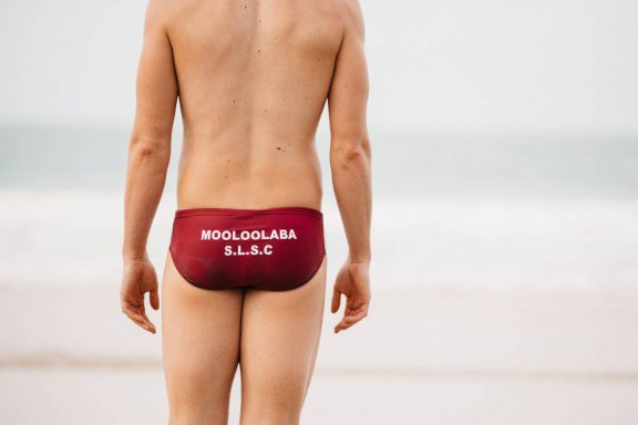 mooloolaba-surf-club-surf-lifesaver-in-speedos